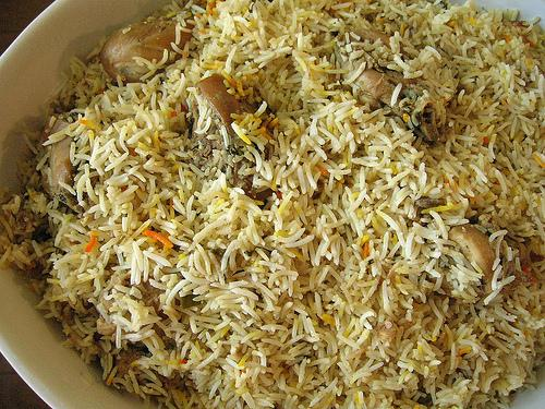to this recipe http www pakirecipes com recipe yummy chicken pulaoMughlai Chicken Recipe In Urdu