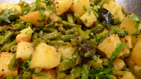 How to prepare green beans and potatoes