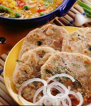 Pyaaz Aur Pudeenay Ki Roti at PakiRecipes.com