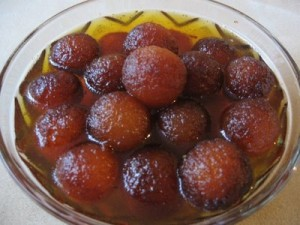 Very Easy Gulab Jaman at PakiRecipes.com