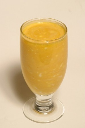 Mango Lassi (Smoothie) at PakiRecipes.com