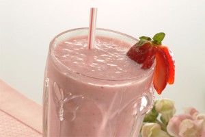 Strawberry Smoothie at PakiRecipes.com