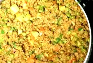 Kheema Hari Mirch Ka Do Piaza at PakiRecipes.com